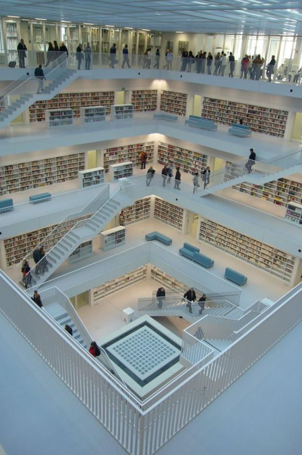 Ein Jahr neue Bibliothek
