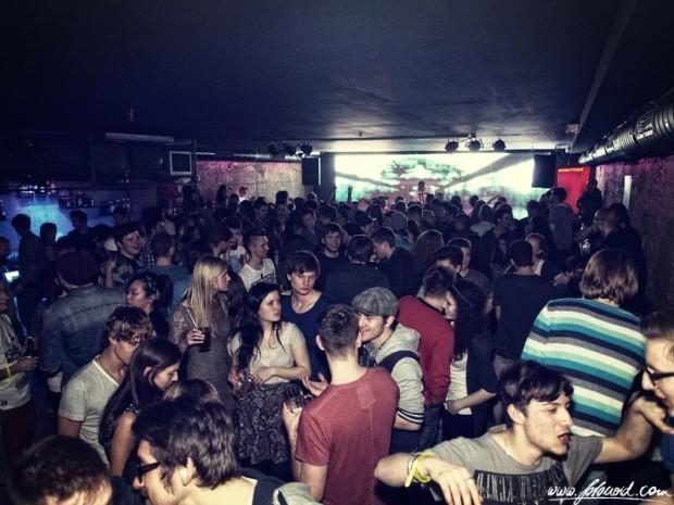 cue_party
