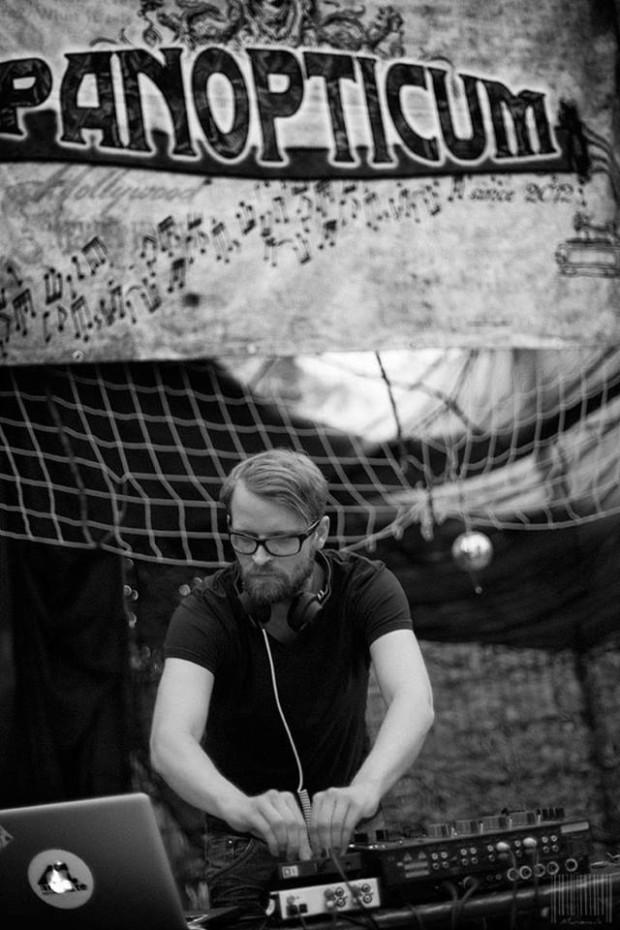 Happy Weekend Mix by Dirty Sandmann aka Tobias Sandmann