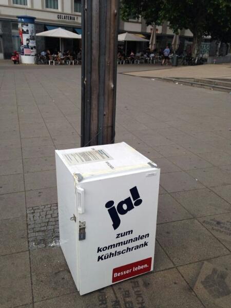 Kommunaler Kühlschrank auf dem Marienplatz