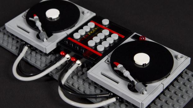 RAMs Traum: Technics 1200 aus Lego