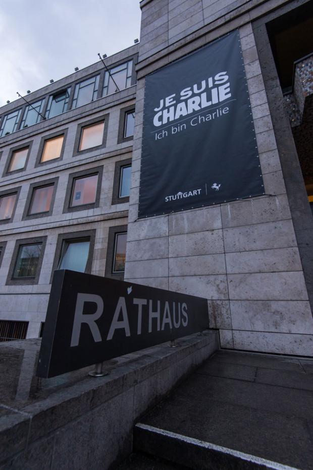 Je suis Charlie Banner am Rathaus