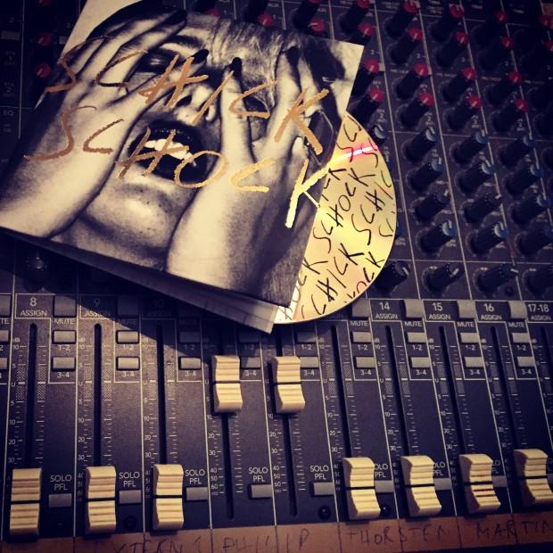 Kessel.TV Radioshow #3: 1 Stunde 2 Bands mit Bilderbuch und Kwabs