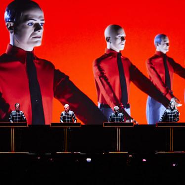 Kraftwerk 3D Konzert und HipHop Open Lineup Komplett