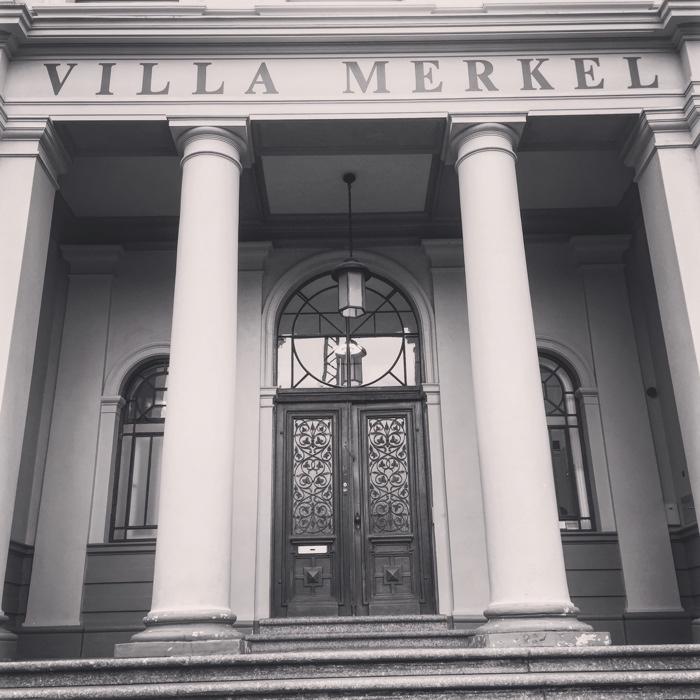 villa-merkel1